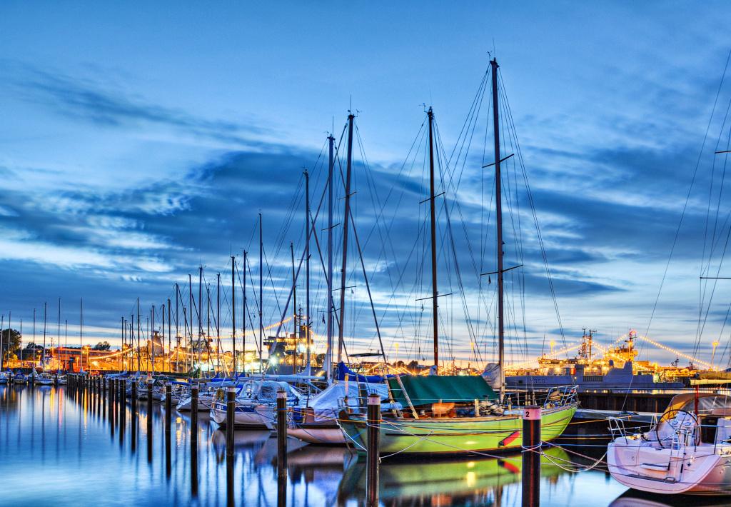 Segelschiffe im Hafen